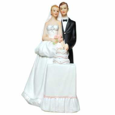 Spaarpot bruidspaar met bruidstaart